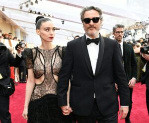 Joaquin Phoenix y Rooney Mara fueron padres de un niño: se llama RiverJoaquin Phoenix y Rooney Mara fueron padres de un niño: se llama River