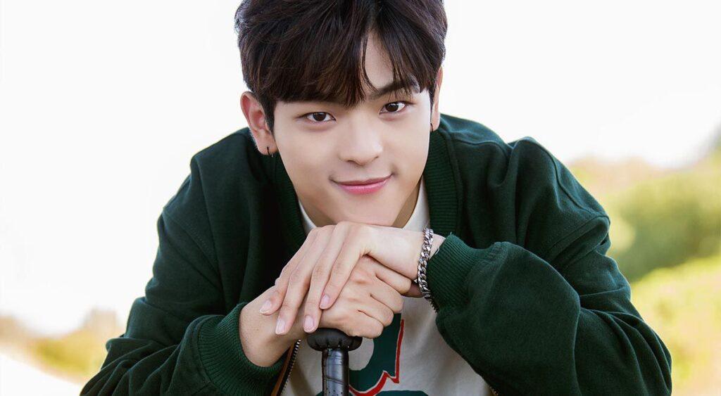 K-Pop, Woojin