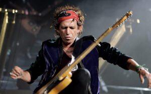 Keith Richards rompió todo con su nuevo videoclip