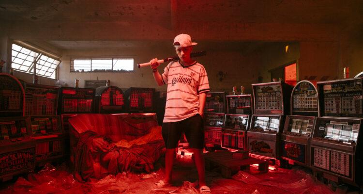 "Trueno presentó ""Background"", su nuevo videoclip"