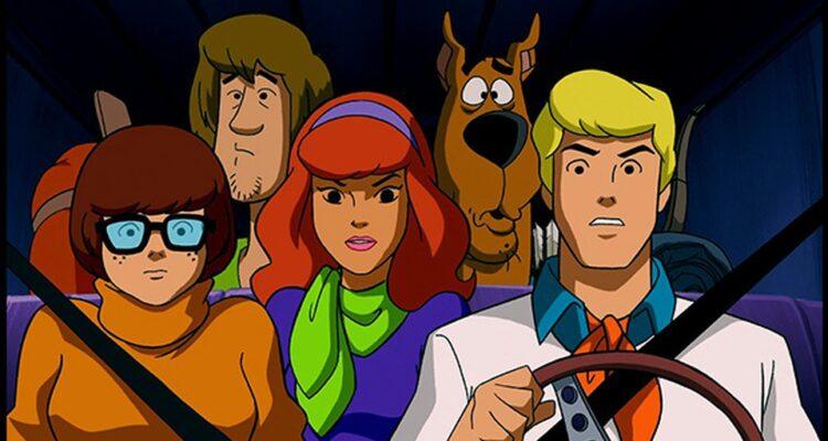 """Se viene una serie de Velma de Scooby Doo y será """"una comedia para adultos"""""""